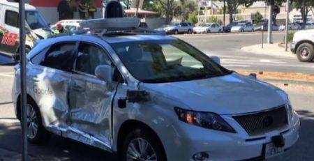 Vehículo Autónomo de Google Sufre Percances en choque